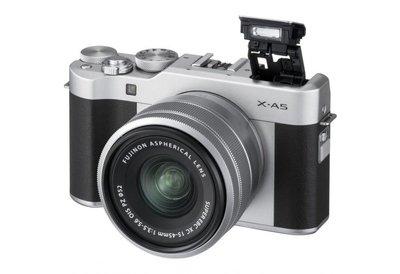 Fuji X-A5 + 15-45